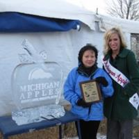 Parades, Pies and Promotion – An Update from the Michigan Apple Queen