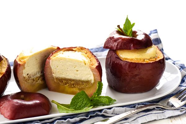 Baked Apples Stuffed with Cheesecake