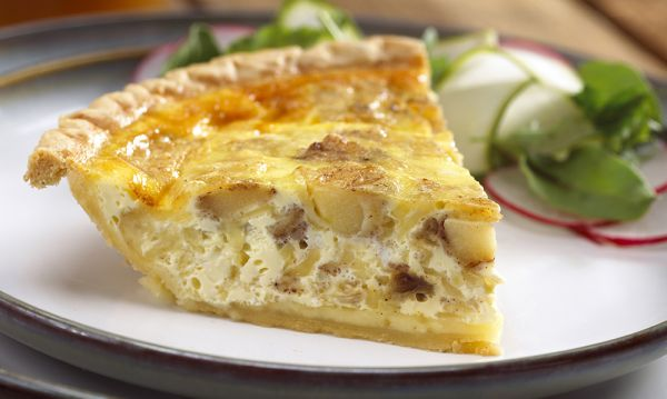 Cheesy Apple Quiche
