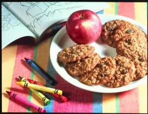 Oat-Raisin Applesauce Cookies